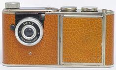 Kunick-Walter-rare-Petie-Vanity-camera-Powder-compact-with-built-in-camera