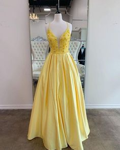 Fashion v neck beaded open back yellow satin formal prom dresses long evening gowns uh438