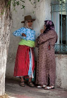 Women from Chefchaouen, Rif Mountains of Morocco | Flickr - Photo Sharing! -Batistini
