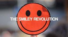Estar sonriente hace que la gente perciba hacia ti una energia positiva y proyecte una actitud positiva. Revolution, Peace, Fictional Characters, Thoughts, Positive Attitude, Positivity, Positive Thoughts, Self Esteem, Revolutions