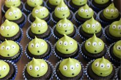 21 Ideas Party Ideas Theme Toy Story - Toys for years old happy toys Fête Toy Story, Bolo Toy Story, Toy Story Baby, Toy Story Theme, Toy Story Alien, Toy Story Food, Alien Cupcakes, Toy Story Cupcakes, Alien Cake