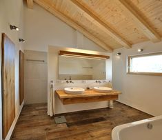Badezimmer dachschräge Special Moning 1 - home decoration ideas Vacuums The Value of the Wet Vac Art Bathroom Interior, Modern Bathroom, Master Bathroom, Bathroom Ideas, Home Decor Mirrors, Sauna, Sweet Home, New Homes, Bathtub