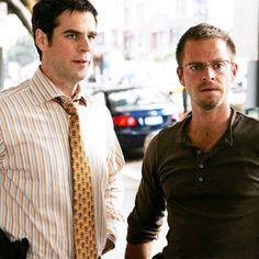 No meio da tragédia, surge uma amizade! Veja como os investigadores Danny e Flack, de CSI: New York, se conheceram  http://r7.com/wjcc