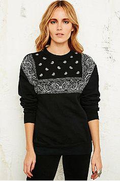 Vintage Renewal Bandana Sweatshirt in Black