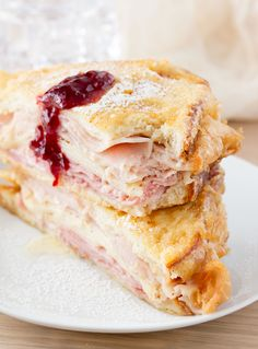 Monte Cristo Sandwich Such a fun and delicious meal. the monte cristo sandwich can be controversial. People either love it or hate it. Monte Cristo Sandwich Such a fun and de Monte Cristo Sandwich, Turkey Sandwiches, Wrap Sandwiches, Panini Sandwiches, Gourmet Recipes, Cooking Recipes, Yummy Recipes, Recipies, Soup Recipes