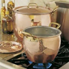 My mom had a love affair with all things copper, so of course, copper pots, bowls and jello molds remind me of home. This Ruffoni hammered copper cookware is gorgeous. Copper Pots, Copper Kitchen, Hammered Copper, Kitchen Items, Kitchen Utensils, Kitchen Gadgets, Copper Moscow Mule Mugs, Traditional Kitchen, Cooking Tools