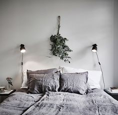 Festive and so cool. Love the linen bedding, for similar try: http://www.naturalbedcompany.co.uk/shop/bedding/linen-bedding/