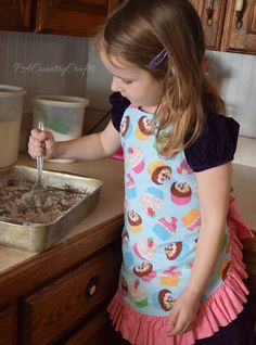 Girls Ruffle Apron Pattern and Tutorial