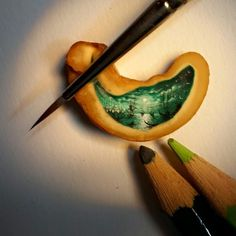 Stunning Tiny Micro Paintings by Hasan Kale (13)