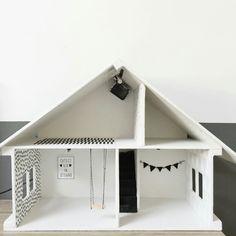 Playmobil Haus, Modern Dollhouse, Diy Dollhouse, Doll Houses, Diys, Homemade Home Decor, Dollhouses, Barbie Home, Puppets