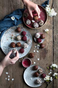 Food Photography Workshop - Paleo energy balls - The Little Plantation blog
