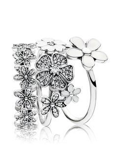 Flowers never go out of fashion! Form a wonderful bouquet that fits your unique style by stacking PANDORA's floral rings. #PANDORAring