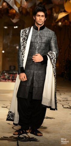 Rohit Bal for India Bridal Week Mens Indian Wear, Mens Ethnic Wear, Indian Men Fashion, Indian Man, India Fashion, Ethnic Fashion, Fashion Men, London Fashion, Mens Sherwani