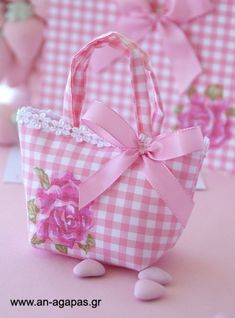 - MyKingList.com Sewing Crafts, Sewing Projects, Diy And Crafts, Paper Crafts, Lavender Bags, Fabric Gift Bags, Craft Bags, Bag Patterns To Sew, Patchwork Bags