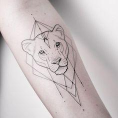 "Gefällt 4,278 Mal, 18 Kommentare - Melina Wendlandt (@xoxotattoo) auf Instagram: ""Pretty lion lady. ✣ CHECK OUT MY STUDIO @vadersdye ✣"""