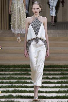 SKIRT DETAILSChanel Spring 2016 Couture Fashion Show - Paula Galecka