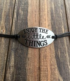 Enjoy the little things_Bracelet Dog Tag Necklace, Arrow Necklace, Little Things, Bracelets, Motivational Quotes, Silver, Leather, Jewelry, Inspiration