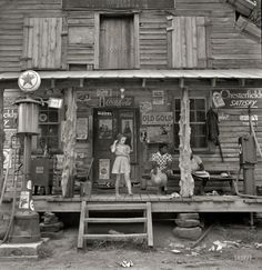 Dorothea Lange:  Country Store,  1939