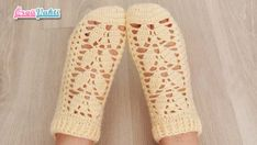 Fashion and Lifestyle Knitted Baby Clothes, Leg Warmers, Baby Knitting, Latest Fashion Trends, Diy And Crafts, Slippers, Model, Booty, Handmade
