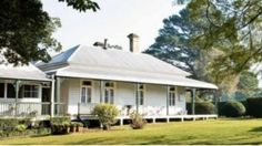 what our house will look like when the veranda is done Australian Country Houses, Australian Homes, Australian Farm, Australian Architecture, Amazing Architecture, Modern Architecture, Country Chic Cottage, Farm Cottage, Country Homes