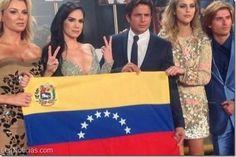 Artistas mostraron su apoyo a Venezuela en los premios Lo Nuestro - http://www.leanoticias.com/2014/02/21/artistas-mostraron-su-apoyo-venezuela-en-los-premios-lo-nuestro/