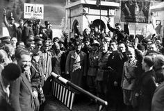 1935 - Mussolini Stands At Austria's Frontier - AP Photo