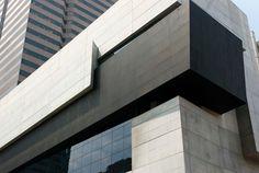 Zaha Hadid's Cincinnati Contemporary Arts Center | Credit: Amber Hersch