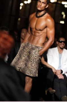 Givenchy, Menswear, Wrestling, Mens Fashion, Album, Couture, Beauty Trends, Leopard Prints, Men Fashion
