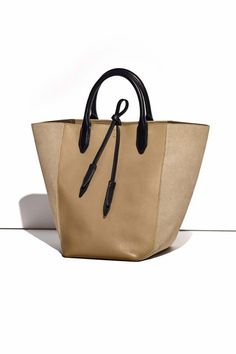 783f2e8f7dbf We re Calling It Now  These Will Be 2016 s Most Popular Bags  refinery29