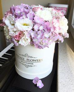 Нежность цветы в шляпных коробках