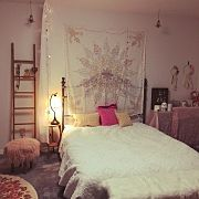 Kozuの人気のインテリア実例 Casa Real, Loft, Room Decor, Bedroom, Interior, Urban Outfitters, Furniture, Environment, Live