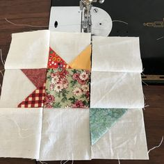 Little Beauty Scrappy Baskets in a Nine Patch Quilt Sets, Quilt Blocks, Half Square Triangles, Squares, Making Baskets, Basket Quilt, Foundation Piecing, Nine Patch, Art Of Living