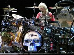 Let's give the drummer some! Dope Music, Music Love, Frank Beard, Vintage Drums, Zz Top, How To Play Drums, Rock Legends, Drum Kits, Led Zeppelin