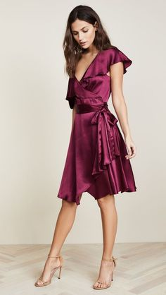 Find and compare WAYF Rachelle Wrap Dress across the world's largest fashion stores! Dresses Short, Trendy Dresses, Fall Dresses, Fashion Dresses, Diy Dress, Wrap Dress, Party Dress, Dress Ideas, Fashion Beauty