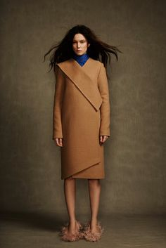 Camel Fall coat - just enough structure - not too fitted. #layeredny Fall 2014 Ready-to-Wear - A.W.A.K.E.