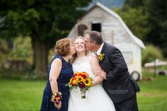 Great Wedding Day Photos You Must Take With Your Family | Barn Wedding | Colorado Wedding Photographer | Lucy Schultz Photography | Cool Photo Ideas