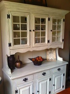 Started out dated lacquered wood, got some paint and glaze action, and is now a gorgeous shabby chic piece. Buy Kitchen Cabinets, Kitchen Cupboard Designs, Kitchen Hutch, Hutch Makeover, Furniture Makeover, Diy Furniture, Painted Furniture, Shabby Chic Kitchen, Country Kitchen