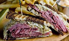 Try this delicious Reuben sandwich recipe. This classic version is made with corned beef, but swap the traditional corned beef for pastrami for a Rachel. Pastrami Sandwich, Sandwiches, Grilled Sandwich, Best Sandwich, Sandwich Recipes, Homemade Pastrami, Recipe Ingredients List, Sauce Crémeuse, Mayonnaise