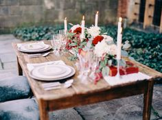 Deep red love letter themed #Wedding tablescape http://weddingsparrow.co.uk/2014/07/23/burgundy-wedding-inspiration/