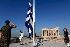 Raising the Greek Flag Macedonia Greece, Athens Greece, Athens Hotel, Greek Flag, Greek Warrior, Greek History, Acropolis, Greece Travel, Greek Islands