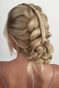 There are so many braided hairstyles for long hair that your head starts to spin when you try to choose one. The choice will be easier for you with us. Braided Hairstyles, Wedding Hairstyles, Cool Hairstyles, Hair Shows, Braids For Long Hair, Gorgeous Hair, Textured Hair, Hair Goals, New Hair
