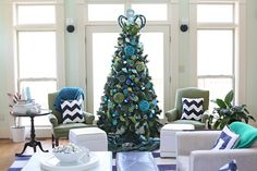 Christmas Color Schemes Beyond The Traditional: blue & green