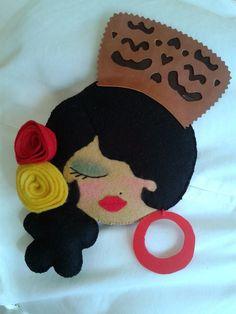 CARMEN FERRERA: RECICLANDO CD'S (caripreciosas) Diy Craft Projects, Fun Crafts, Diy And Crafts, Crafts For Kids, Arts And Crafts, Felt Ornaments Patterns, Felt Crafts Patterns, Diy Y Manualidades, Fabric Cards