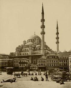 Eminönü meydanı Guillaume Berggren fotoğrafı, 1870-1879 yılları...