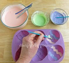 Hungry Happenings: How to Paint Cheesecake Easter Eggs --I just bought this mold for Jello Easter Eggs! Jello Easter Eggs, Easter Egg Moulds, Egg Molds, Easter Candy, Easter Treats, Easter Desserts, Easter Chocolate, Chocolate Color, White Chocolate