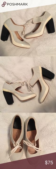Dries Van Noten Heel Lace Up Sneaker Sz 39 EUC never worn but could use some TLC. Coated canvas upper, cotton covered heel and patent leather trim. fits like Sz 8 Dries van Noten Shoes Heels