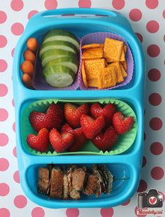 BLT school lunch sandwich in our Goodbyn Bynto lunchbox Kids Lunch For School, Lunch To Go, School Lunches, Healthy Veggie Snacks, Lunch Snacks, Healthy Eating, School Lunch Sandwiches, Kid Friendly Meals, Good Food