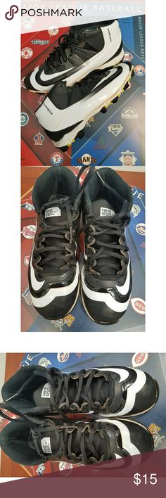 Boys Nike Huarache mid baseball cleats size 4 1/2