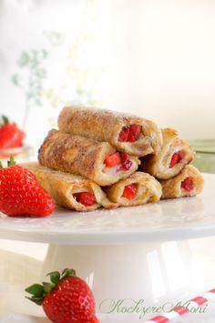 Milchmädchen, gezuckerte Kondensmilch, French Toast, Arme Ritter Rezept mit Erdbeeren, Erdbeer Arme Ritter, Toastbrot Verwertung, was tun mit altem Toastbrot, Kaffeeklatsch, zum Kaffee, zum Frühstück mit Freunden, Erdbeerröllchen, Erdbeer Arme Ritter, Erdbeer Toast, Süßspeise, Mädelsfrühstück Rezeptidee, Osterfrühstückstisch, Ideen zu Ostern, Frühstücksidee, süßes Frühstück, sweet breakfast, Erdbeerrezepte, Erdbeerrezepte