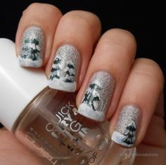 Christmas Nails manicure - Glitters and snow by georgette